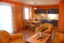 Wohnzimmer und Küche Ferienhaus Mönchgut